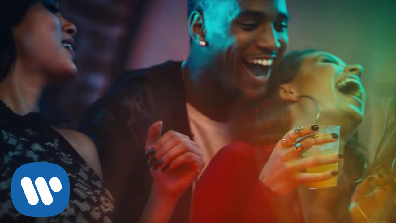 Trey Songz - SmartPhones [Official Video] - YouTube