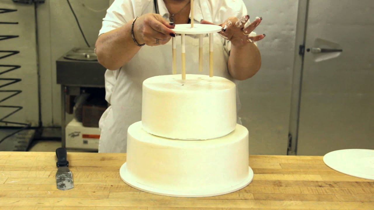 wedding cake how to stack how to assemble a stacked cake using cake support 22855