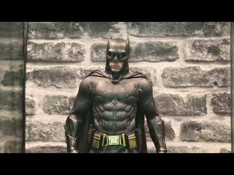 Unreal Toys Custom Cape Fitted On Hot Toys BvS Batman