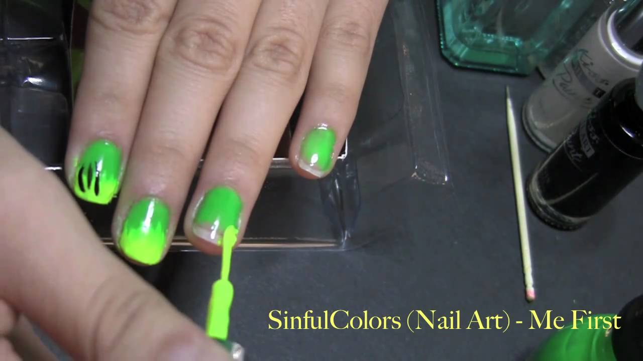 EXCLUSIVE - bLaCk LiGhT Glowing Green & Yellow nail design - YouTube