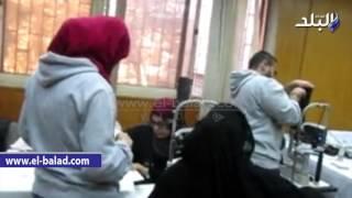 بالفيديو والصور.. الجمعية العربية للتنمية البشرية تنظم قافلة طبية لأمراض العيون بالفيوم