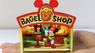 Re-Ment Mickey bagel shop. It contains green apple flavored gum. リ...