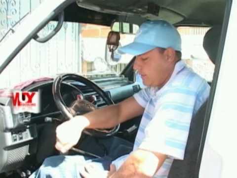 Muy masculino autos modificados para discapacitados youtube for Coches con silla para carro