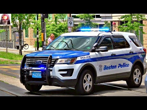 Boston Police Ford Explorer Interceptor Utility Responding Lights and Sirens (blips)