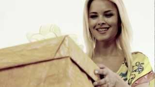 Лучшая реклама 2012 года Le Grand  обувь, одежда, аксессуары(http://legrandodessa.com Девушка, идет и видит коробку. Что же там? Сюрприз! Открывая она видит... Там бомба! На часах..., 2012-06-22T14:07:38.000Z)