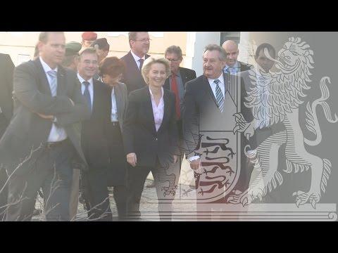 Bundesministerin von der Leyen und Staatsminister Huber zur Flüchtlingspolitik  - Bayern