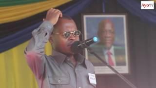 J K Comedian alipoiga sauti za Rais Magufuli na Kikwete mbele ya makamu wa Rais Mama Samia