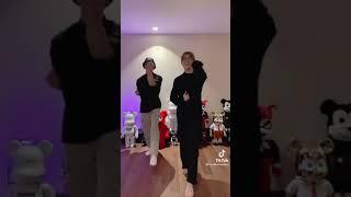 Bambam & JayB doing the riBBon dance challenge!!  갓세븐 뱀뱀…