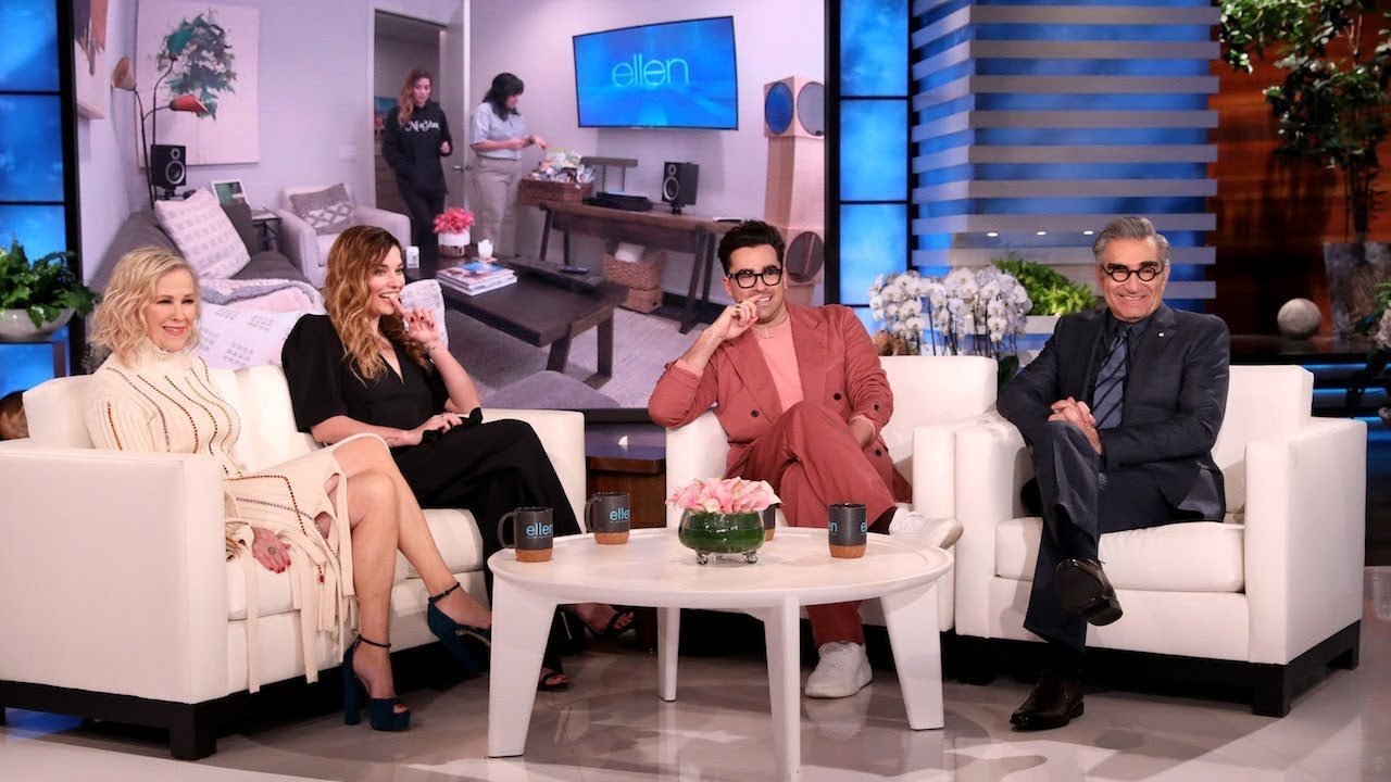 Watch the Cast of Schitt's Creek Love Each Other on The Tonight ...