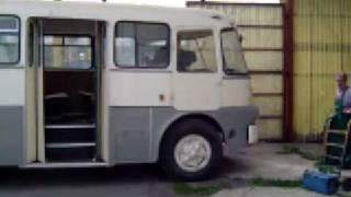 Ikarus 630 kiáll a garázsból xvid