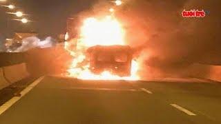Góc nhìn trưa nay 21-7-2018: Ô tô bốc cháy khi tông xe container, 2 người tử vong trong biển lửa