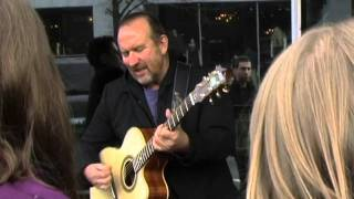 Watch Colin Hay Ill Leave The Light On video