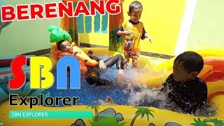 Bermain Air dan Berenang di Kolam Dinosaur Play Center (Intex #57444)