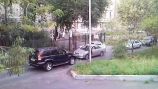 Встретились два одиночества (водительский этикет)