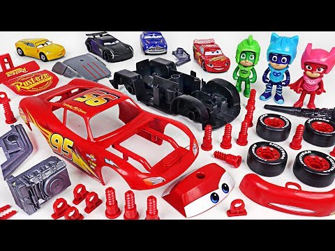 PJ Masks! Fix the broken Disney Cars 3 Lightning McQueen with Model Assembly Kit! - DuDuPopTOY