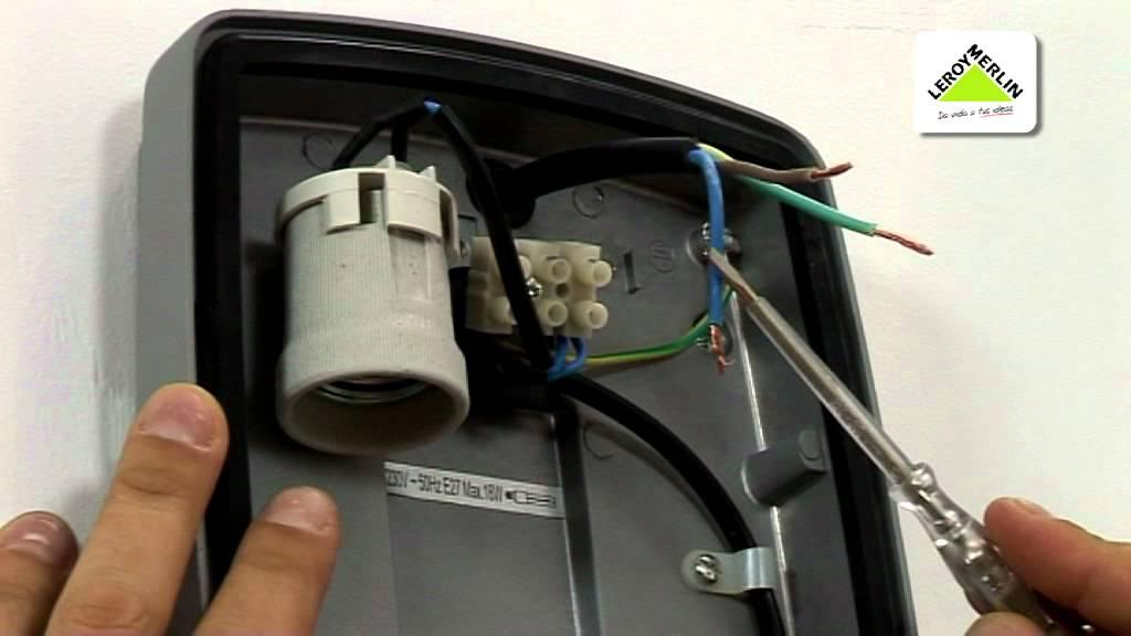 Instalar apliques y plafones de exterior Leroy Merlin