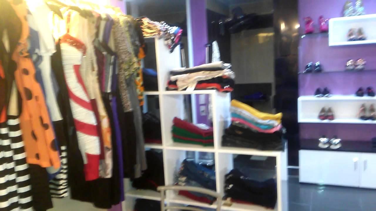 tủ kệ bán quần áo
