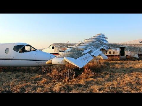 UE - Exploring Huge Airplane Boneyard