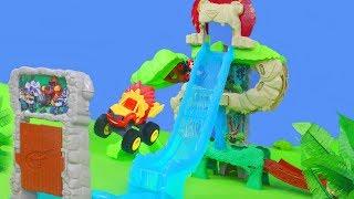 BLAZE und die Monster Maschinen Unboxing: Spielzeugautos, Truck & Feuerwehrmann für Kinder deutsch