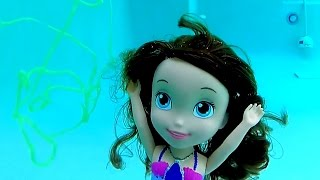 Princesinha Sofia Nadando com Tintas de Banho TOYSBR | Mermaid Sofia the First Swimming Underwater