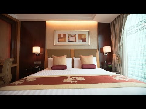 Grand Tower Executive Room at Pudong Shangri-La, East Shanghai