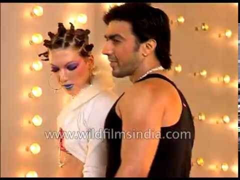 Song picturisation of film Dhamaal : Ashish Chowdhry with models