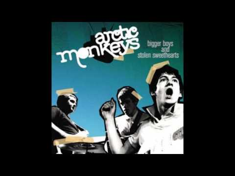 Arctic Monkeys - I Predict That You Look Good In A Riot