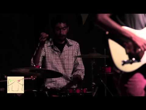 Tune Kaha - Prateek Kuhad Feat Nikhil Vasudevan Live @ DIY Day