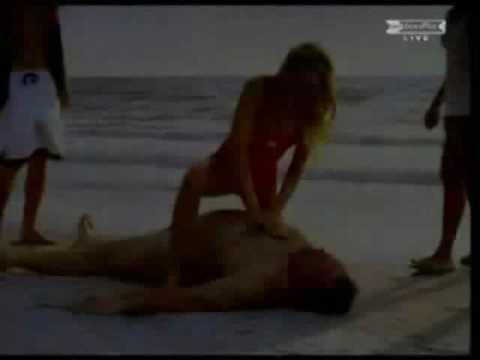 Video clip Nụ hôn ngọt ngào ở bãi tắm Video clip Nu hon ngot ngao o bai tam prodigyvn com