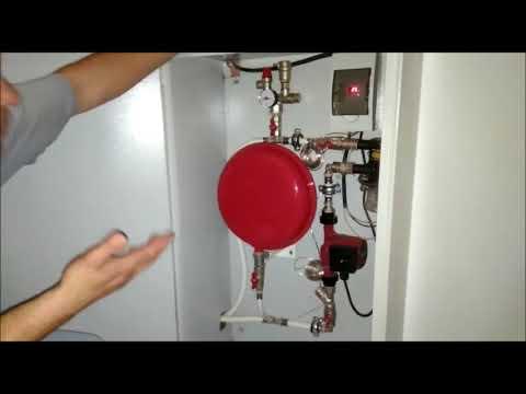Жильцы ставят не дорогое индивидуальное отопление себе в квартиры.