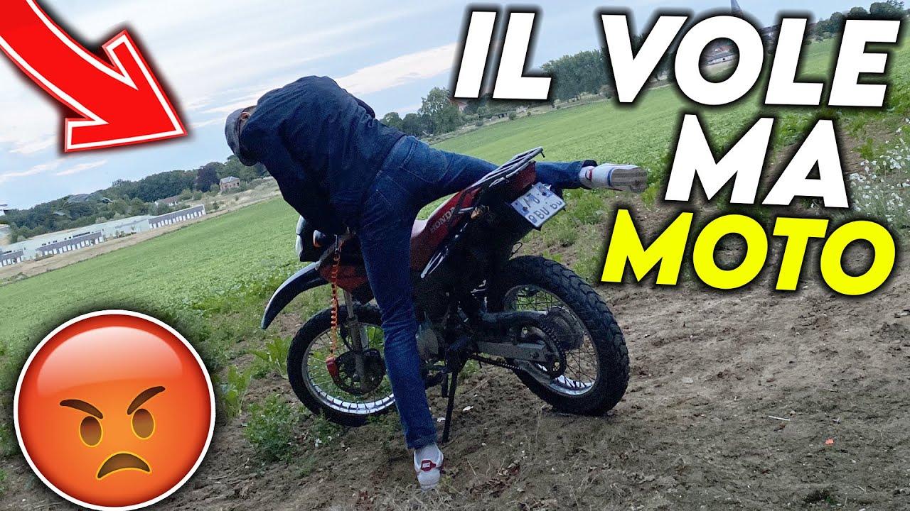 UN PAYSAN ME COURSE DANS UN BOIS ET VOLE MA MOTO ! 🤬