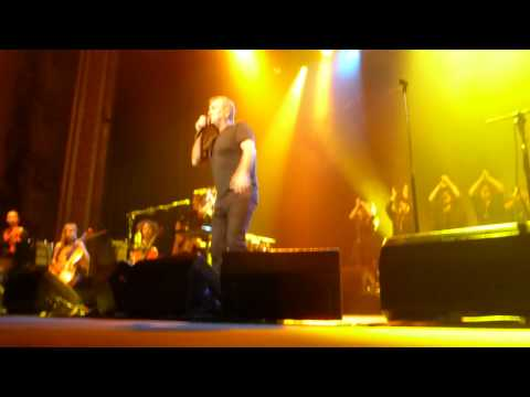Jimmy Barnes - When The War Is Over / Resurrection Shuffle - Sydney July 2015
