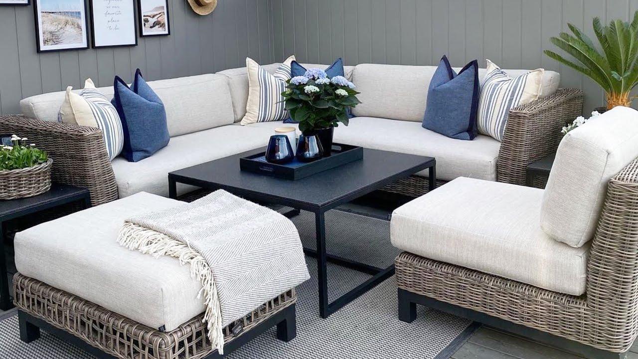 Stylish Decking Ideas for Gardens, Backyards and Patios /  INTERIOR DESIGN / HOME DECOR