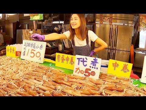 Fresh Fish Market In Nanliao Fishing Port, Taiwan魚市場叫賣甜姐兒