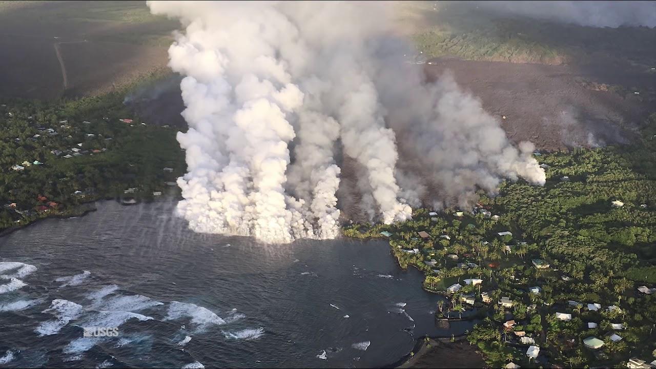 Kīlauea Volcano — Lava Entering Kapoho Bay