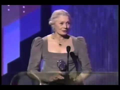 Vanessa Redgrave wins 2003 Tony Award for Best Actress in a Play