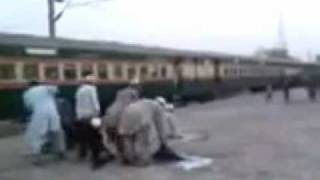 A Funny Molvi at railway station