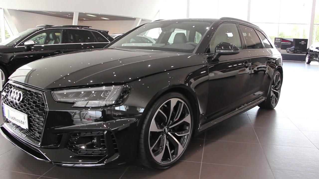 Audi Exclusive 2018 Audi RS4 450PS ( Myth Black With Green