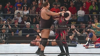 Kane shows off his immense strength by lifting Big Show over-the-top-rope: Royal Rumble 2002 thumbnail