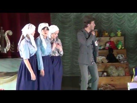 hqdefault - В Джанкое старшеклассники играют на сцене, как профессионалы. Премьера спектакля.
