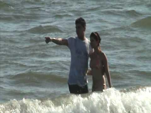 Tarde de playa con las amigas - 5 4