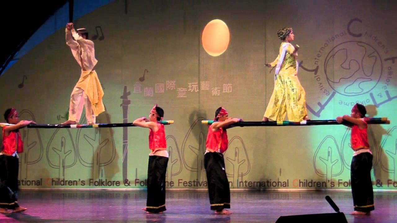 Philippine Folk Dance Singkil - YouTube
