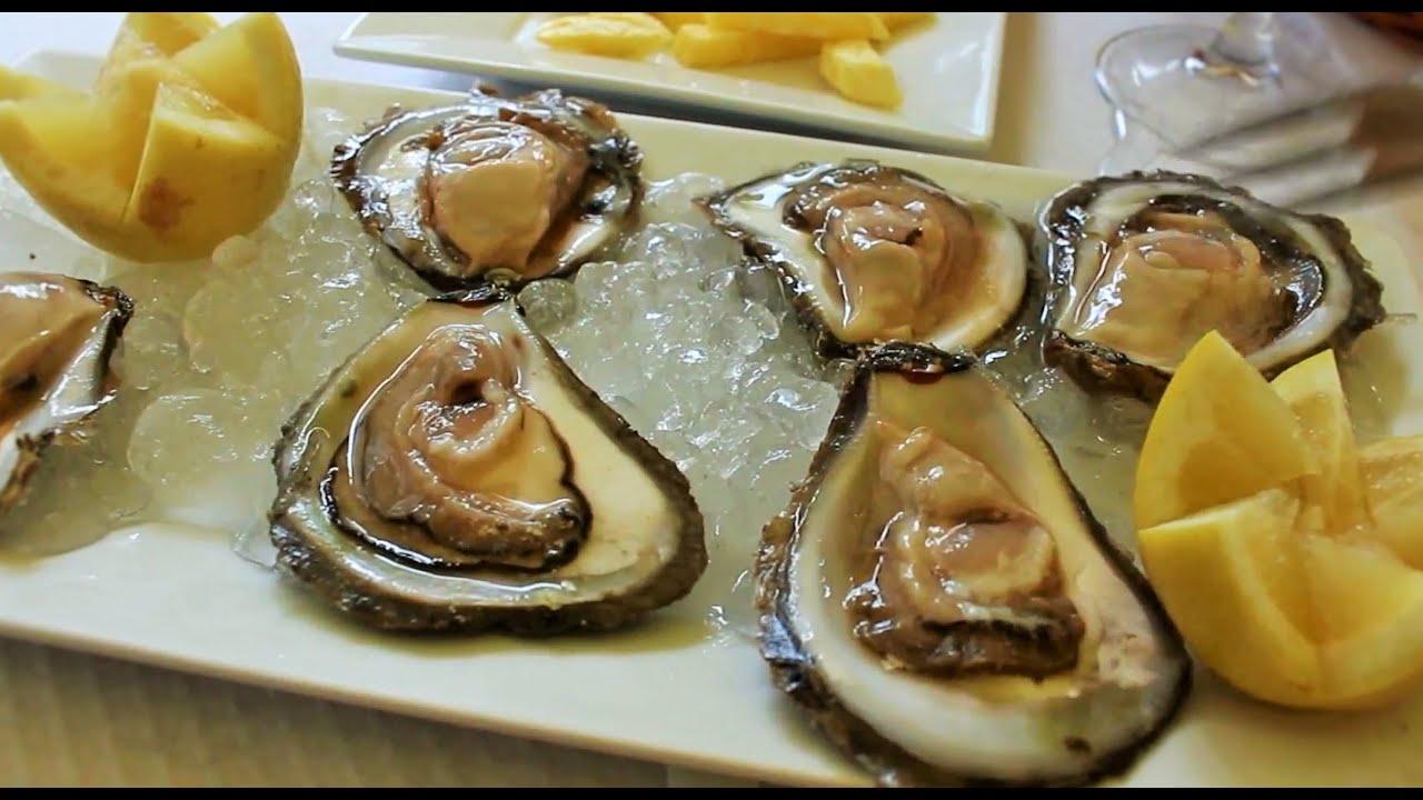 Отдых в Испании, Устрицы и мидии, испанская еда. Едим устриц в Виго.