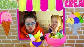 Margo and Mommy playing Ice Cream Shop with Toys