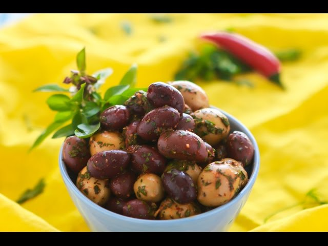 مطبخ اسيا - زيتون بالخلطة و هريسة مغربية و طماطم مجففة الجزء الاول