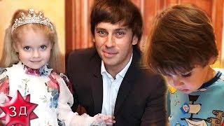 ДЕТИ ПУГАЧЕВОЙ И ГАЛКИНА: Лиза, Гарри и Максим Галкины - кто поет, кто слушает!