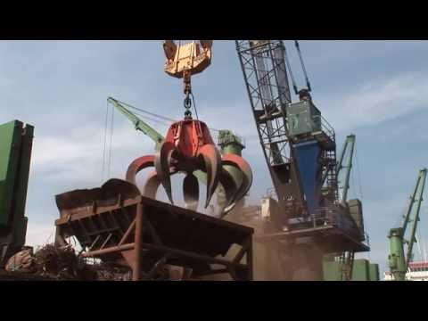 SENNEBOGEN - Scrap Handling: Harbour Crane 6180 loading via hopper, 20 m³  grab, Port Izmir