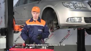Jak vyměnit přední brzdové kotouče a přední brzdové destičky na SKODA SUPERB 2 [Návod]