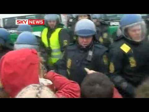 Police Clash With Climate Protesters in Copenhagen