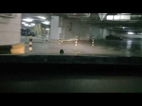 Бесплатная парковка на третьем транспортном кольце. ТЦ Тройка.